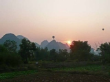 chine-region-guilin-pics-karstiques-02@rwcards.jpg